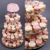 Сватбена капкейк торта Ягодова