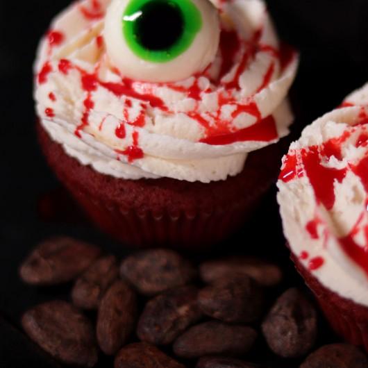 Чудовищно Червено кадифе за Хелоуин