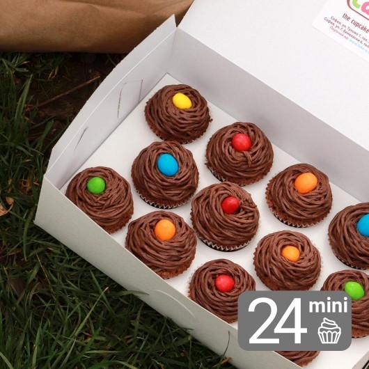 24 Мини Великденски кексчета