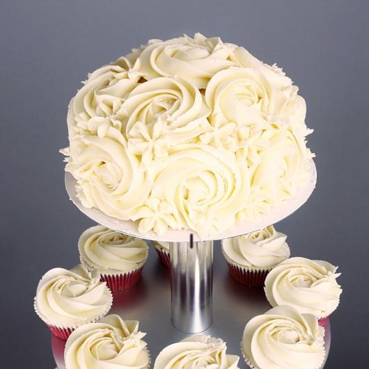 Сватбена капкейк торта Червено кадифе