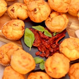 24 Мини мъфина Сушени домати, пармезан и босилек