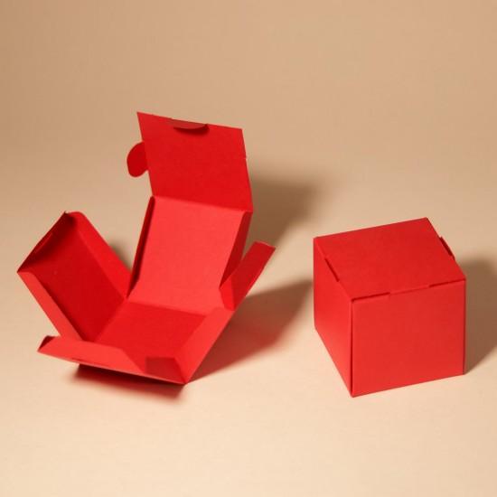 6 червени единични кутии за кексчета