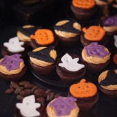 24 Scary Mini Cupcakes for Halloween