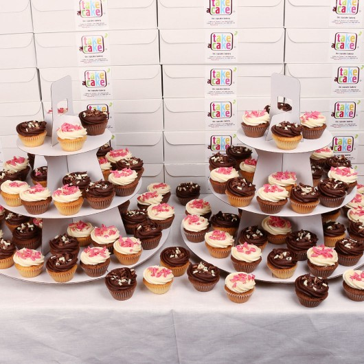 Mini cupcakes for large-scales events