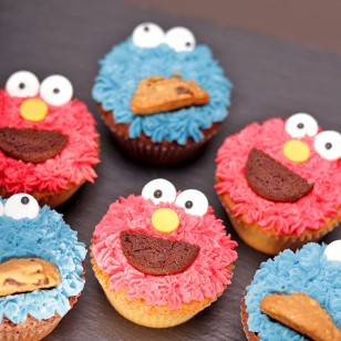 Elmo and Cookie Monster Cupcake Promo Set