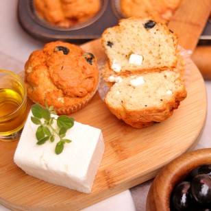 Muffins with olives, goat cheese, and oregano