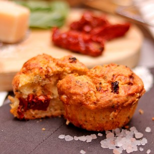 Muffin with Dried Tomatoes, Parmesan, and Basil