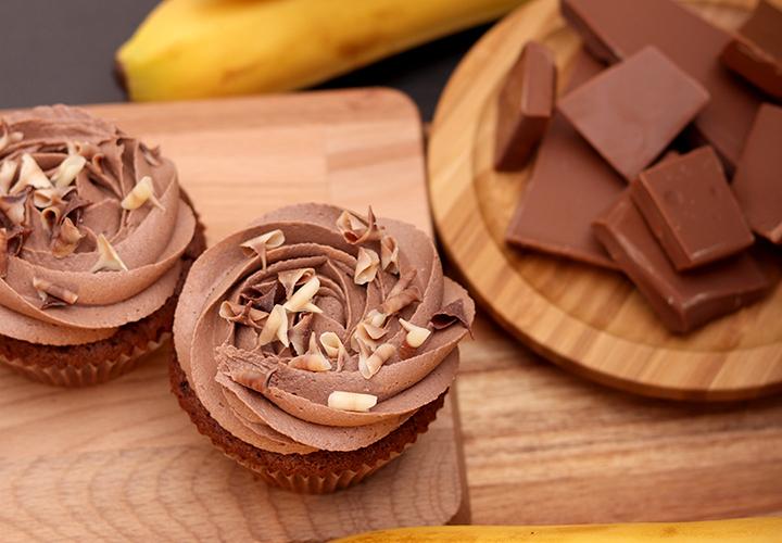 Капкейк Банан и шоколадов мус – вкусни сладкиши с доставка навсякъде в София от Take a Cake Bakery