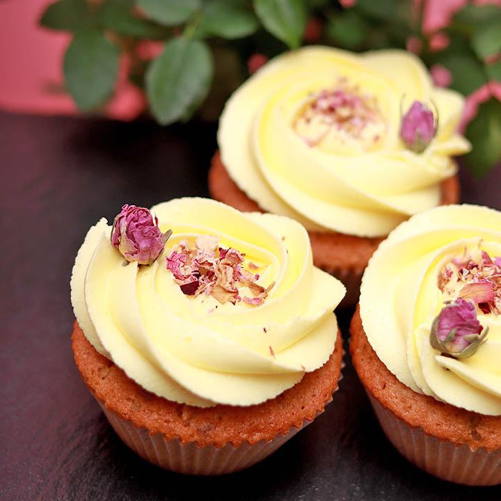 Букет от Капкейк Рози за Цветница от Take a Cake