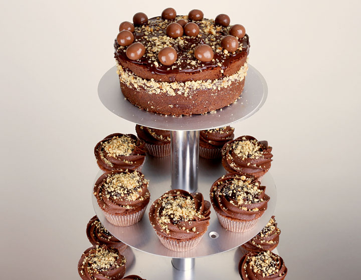 Wedding Cupcake Set Chocolate Cocoa with hazelnuts